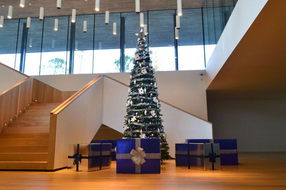 Alquiler de árboles de Navidad gigantes