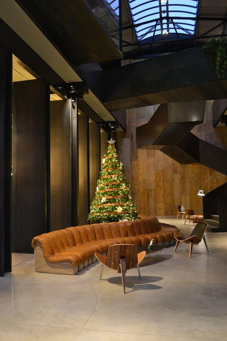 Árbol de Navidad minimalista empresa farmacéutica Barcelona