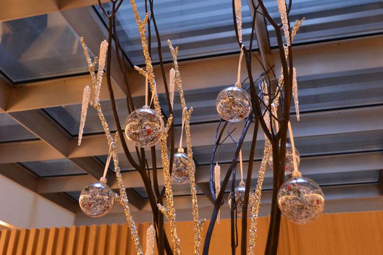 Detall decoració nadalenca minimalista menjador hotel Barcelona
