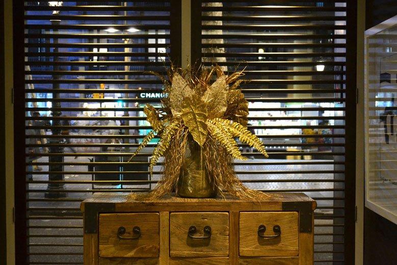 Centro de Navidad mueble hotel 4 estrellas en las ramblas de Barcelona
